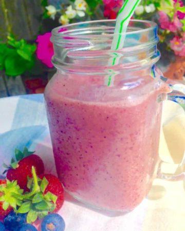 Mixed Berry Tea Smoothie