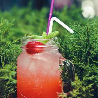 Insanely Delicious Strawberry Iced Tea
