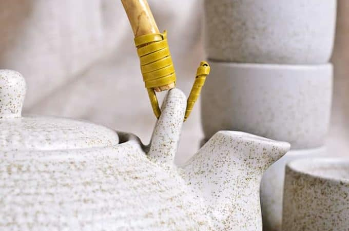 10 best tea blog post picture of teapot and cups
