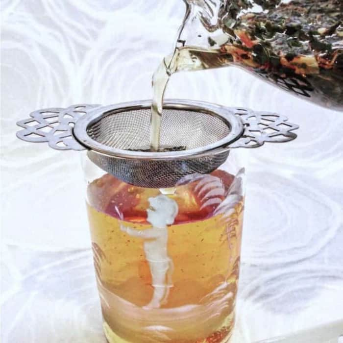 meditative mind cold brew tea pour