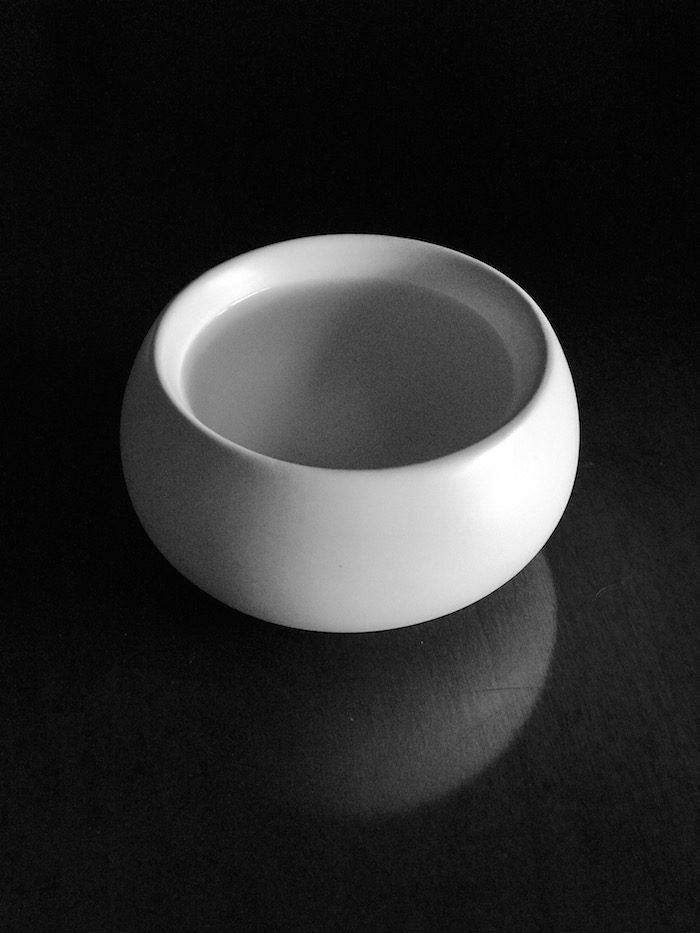 Zens Lifestyle black and white teacup
