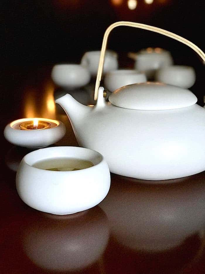 Zens Lifestyle teapot and candle