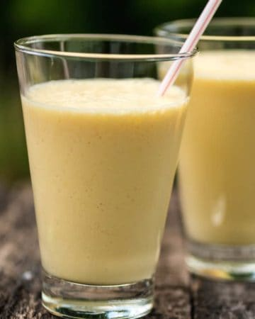 Mango Chai Smoothie in glass