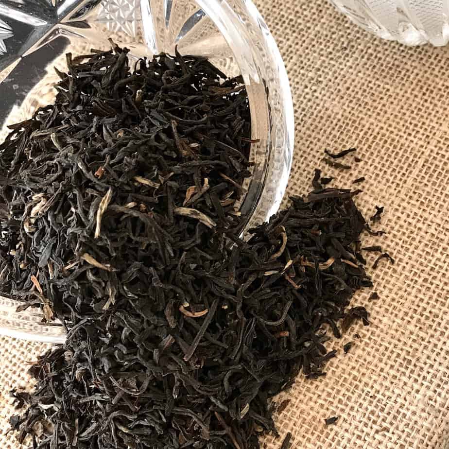 black loose leaf tea dry leaf closeup