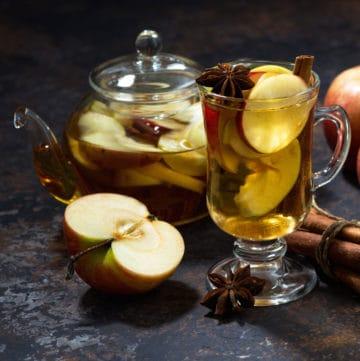 apple spice tea with tea pot