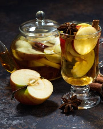apple spice tea with tea pot