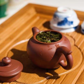 yixing teapot brewing tea