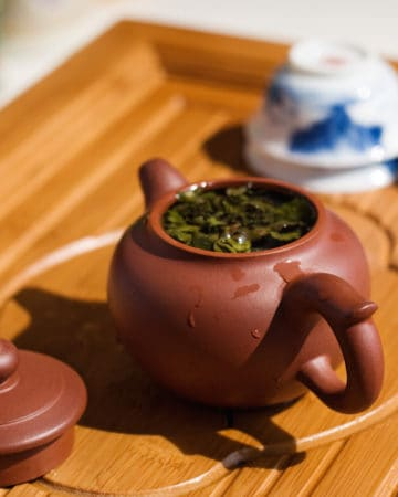 yixing teapot brewing tea