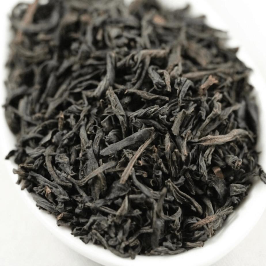 Lapsang tea leaves up close