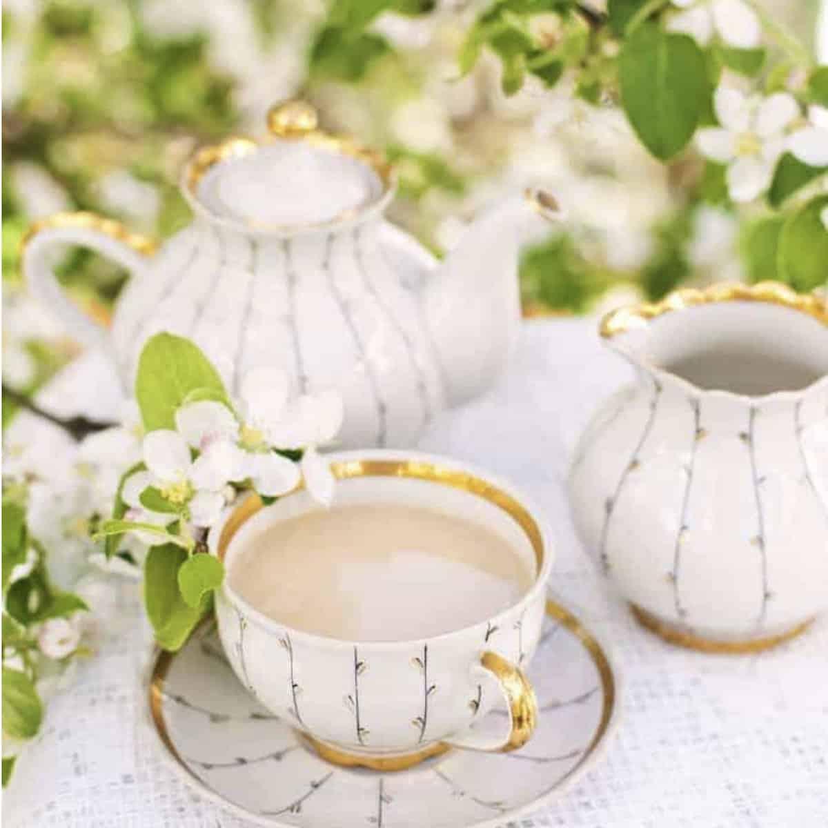 milk tea in a teacup